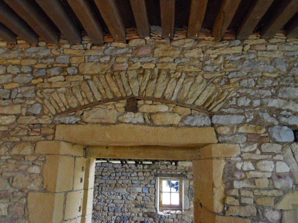 mur en pierre Vergeles