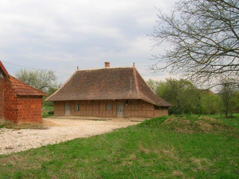 nettoyage facade en maison en Bresse